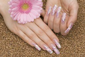 Creative Nails sucht erfahrene und kreative Nageldesigner für Schulungen!