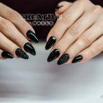 Schwarze Nägel von Creative Nails