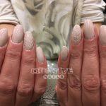 Nude Nägel mit Strickmuster von Creative Nails